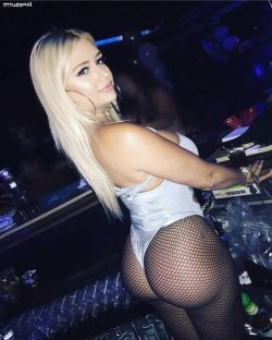 big boobs big photos repost dimebutts__ and how can i make my booty bigger fast