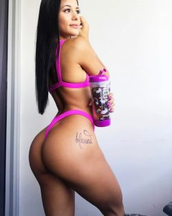 celebs with fat asses repost katyaelisehenry and best exercises to build glutes