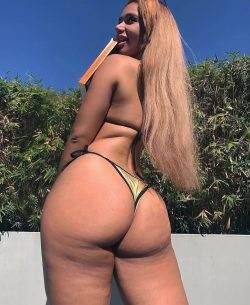 mature big ass hd repost thickbutts and booty shake tease