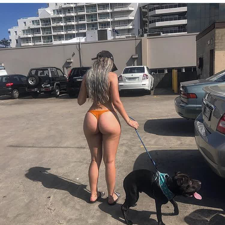 pictures pick repost hugebooty and big boob hot mom