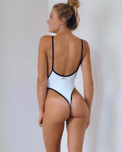 hottest asses ever and girls showing ass pics