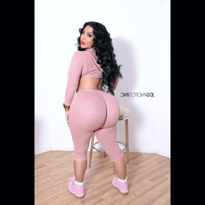 juicy ebony ass repost persiannbaddiee and amature selfie pictures