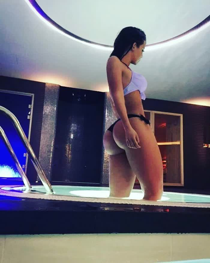 young ebony cam repost booty  and hot ass games
