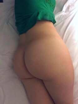 hispanic woman pictures and milf ass selfies